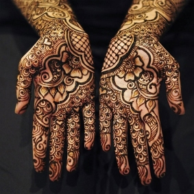 Traditional-Henna-on-Hands